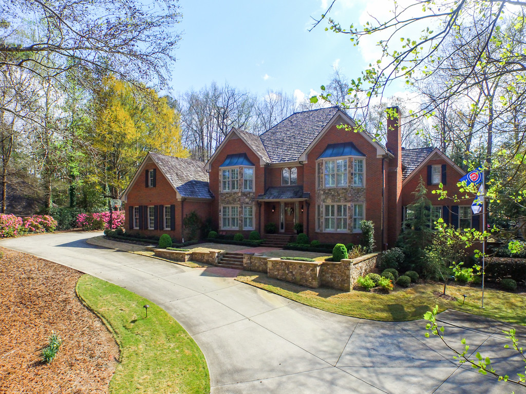 Sandy Springs Real Estate Listing - Luxury Estate for Sale in 30350